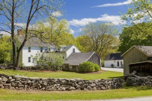 Renee Zellwegers Connecticut Farm Home On Market.